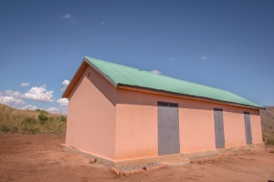 A construction that is to house one of our permanent farmers, a guard and of course a storage space has just been complete!